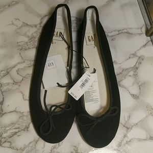 Gap black leather flats